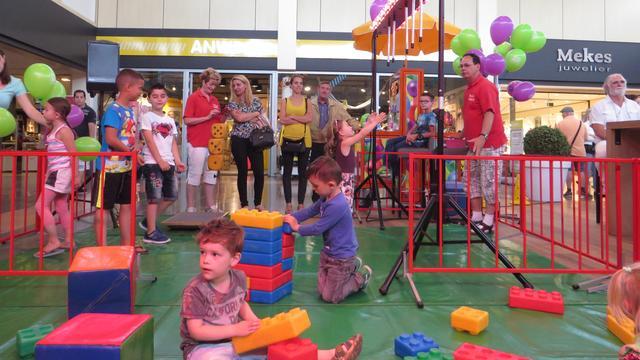 Speelplein geopend in Etten-Leurs Winkelhart