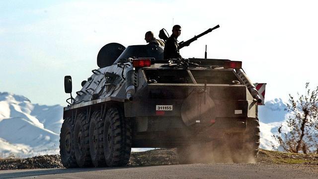 Turkse troepen doden Koerdische militanten