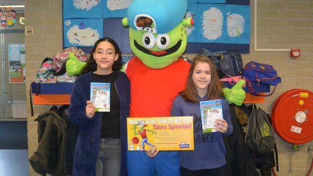 Kinderen maken winnend ontwerp boekje Sjors Sportief
