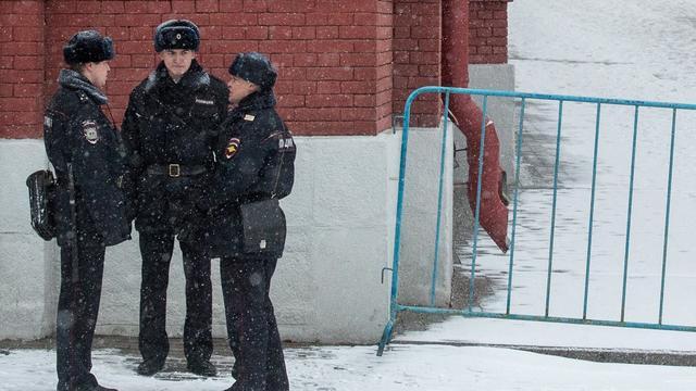 Twee treinstations in Moskou ontruimd na bommelding