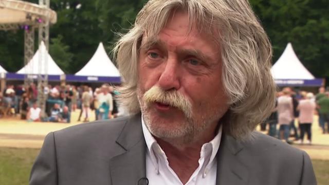 Johan Derksen vindt Voetbal Inside 'soms tikkeltje vrouwonvriendelijk'