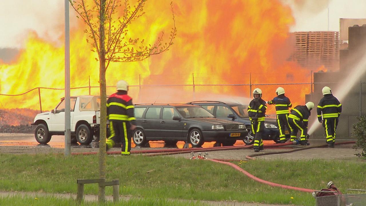 Grote brand in loods pallethandel Klundert