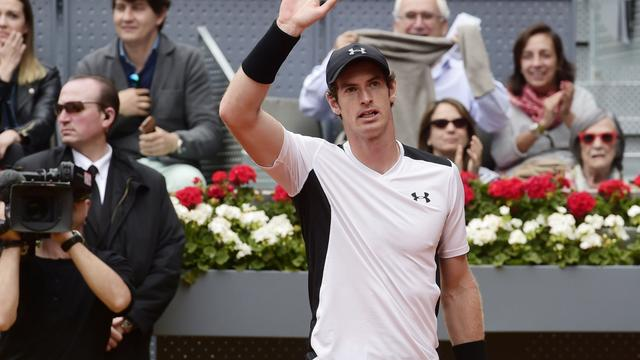 Murray, Djokovic en Nadal in twee sets naar laatste acht in Madrid