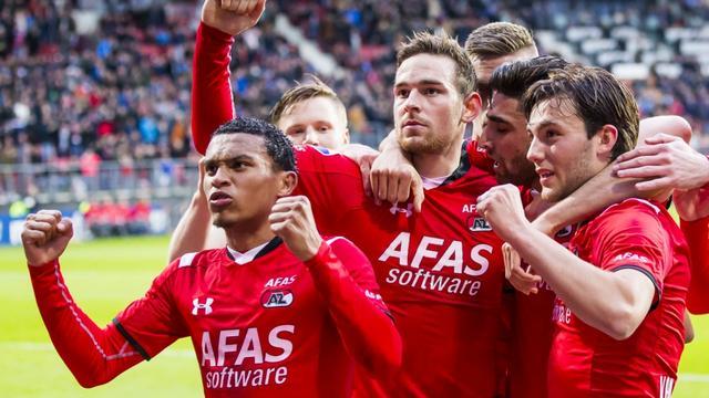Janssen op schot voor AZ tegen tiental PEC, Vitesse-Heracles onbeslist