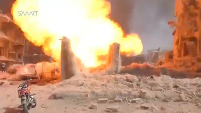 Syriërs vluchten na afgaan bom, zeker 40 doden na aanslag in noordoosten