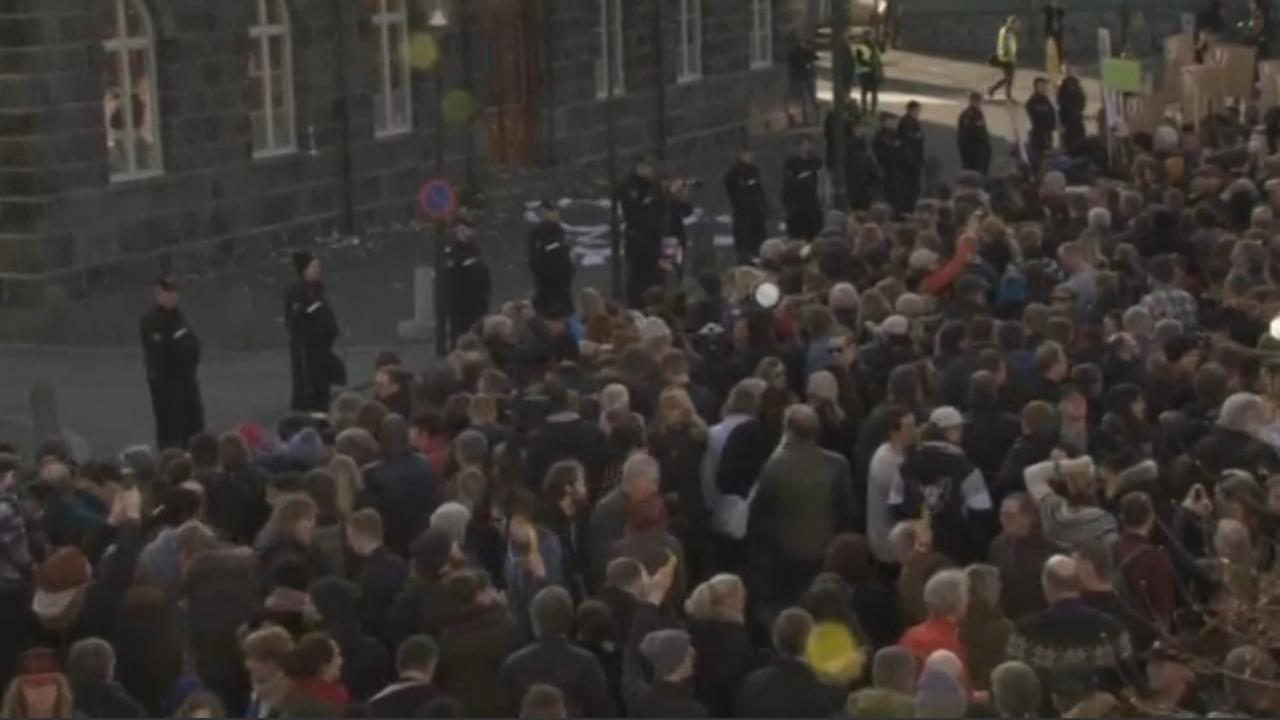 IJslanders straat op voor aftreden minister-president om Panama-Papers
