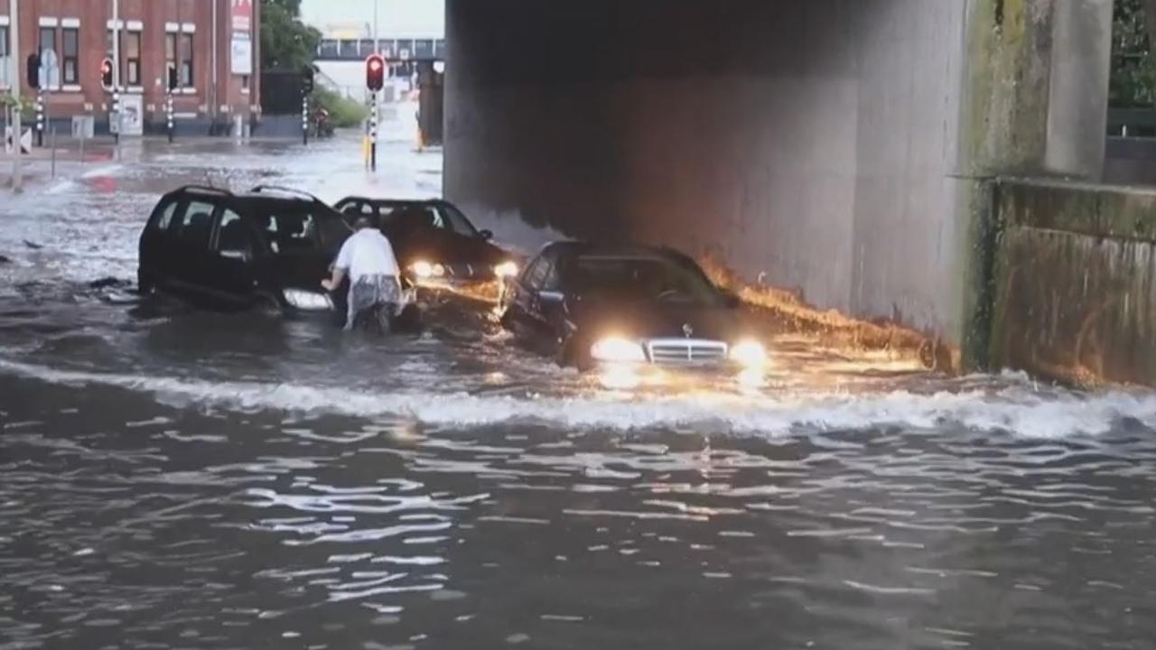 Noodweer zorgt voor veel overlast in Den Haag
