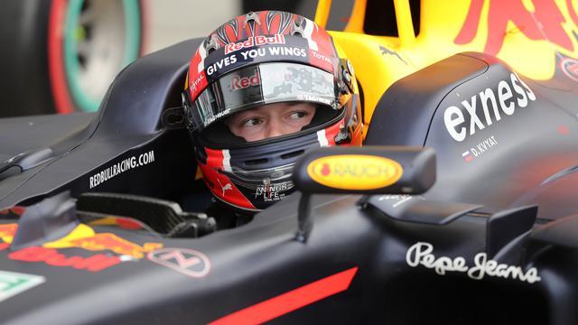 Red Bull gaat serieus gesprek voeren met Kvyat na dramatische thuisrace