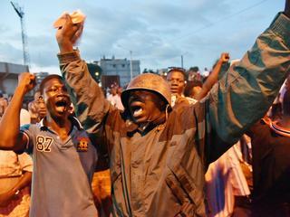 Land kreeg onder andere te maken met coup en nieuwe verkiezingen