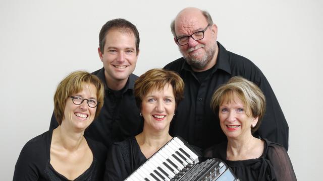 Accordeonensemble Virtuosa treedt op in Waalse Kerk