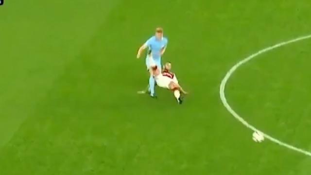 Rood voor Arsenal-speler Wilshere na vechtpartij bij belofteteam