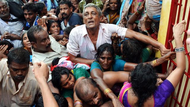 Zeker 27 pelgrims komen om in gedrang India