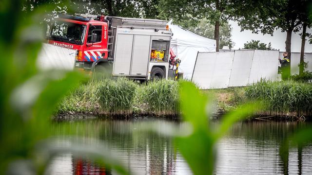 Lichaam van man gevonden in tas in kanaal Helmond