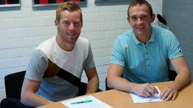 Van Duinen transfervrij naar Excelsior, NEC haalt twee linksbacks