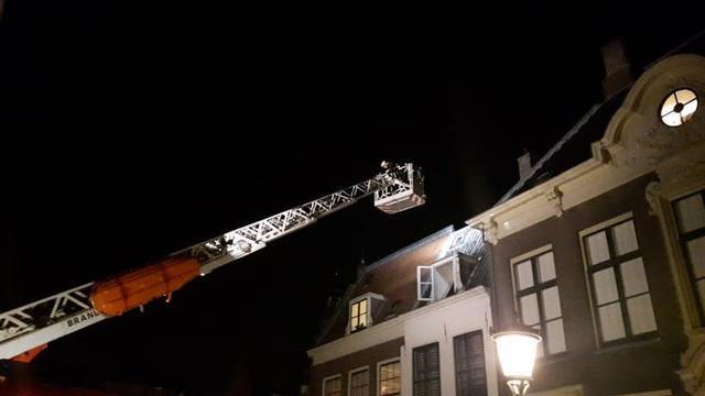 Brandweerwagens naar Kromme Nieuwegracht voor gebakken eitje