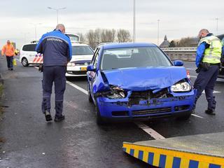 Drie auto's betrokken bij kop-staartbotsing