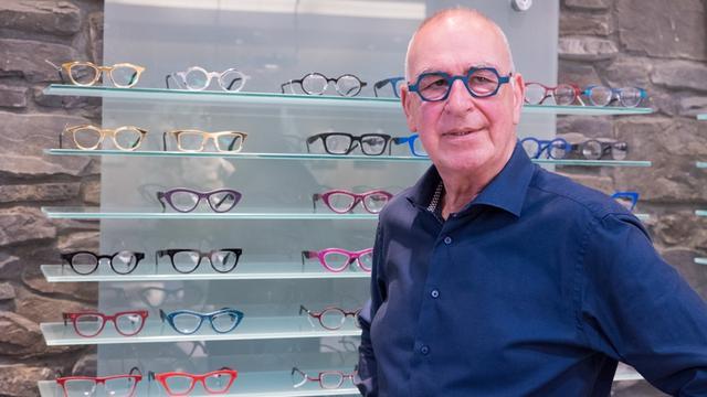 Carlo Battes vijftig jaar werkzaam als opticien