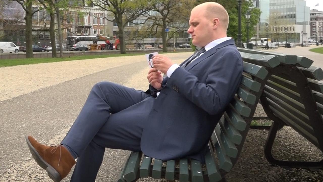 Drie stellingen voor de jongste en oudste burgemeester van Nederland