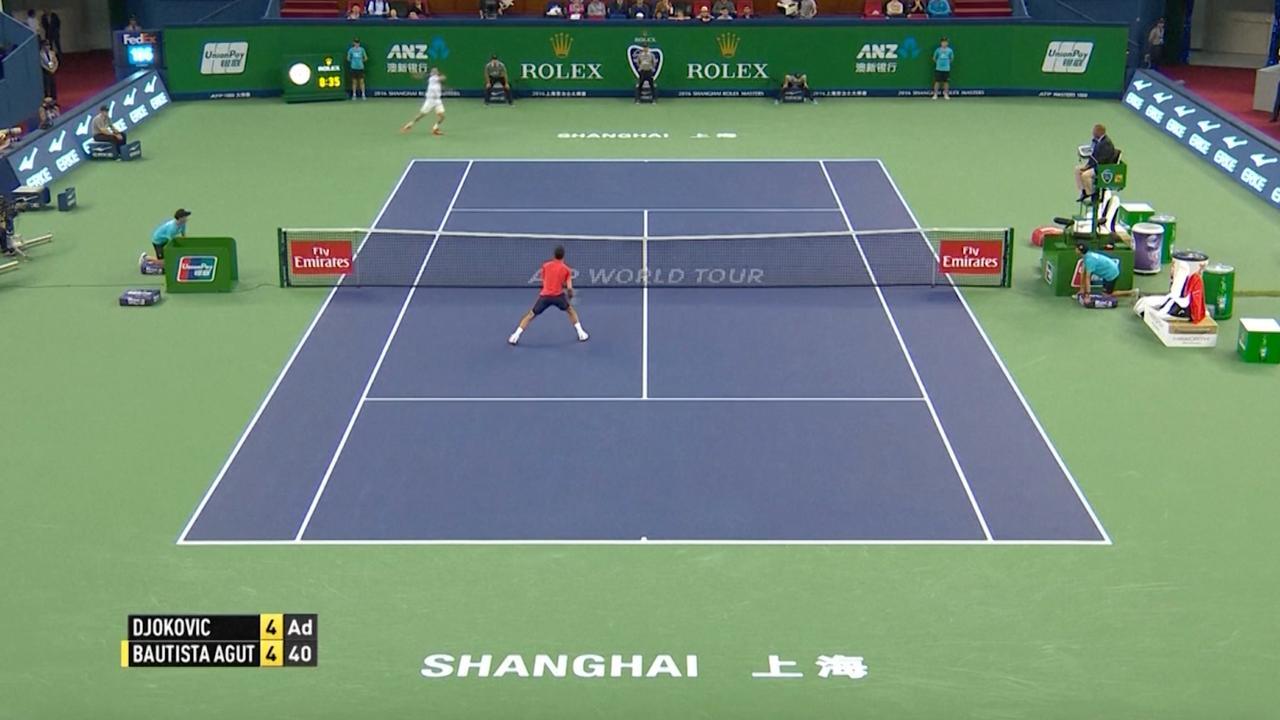 Djokovic verrassend onderuit tegen Bautista Agut in Shanghai