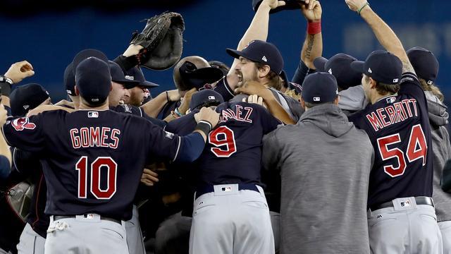 Honkballers Indians voor het eerst sinds 1997 naar World Series