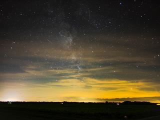 Door meteorenzwerm de Perseïden zijn vele tientallen vallende sterren per uur te zien