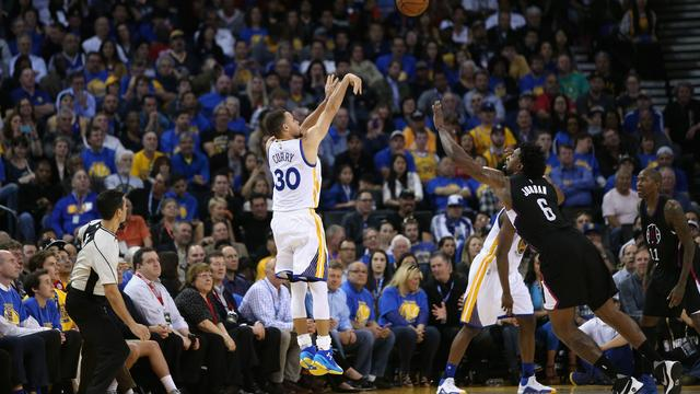 Warriors zorgen voor recordaantal driepunters in NBA-seizoen
