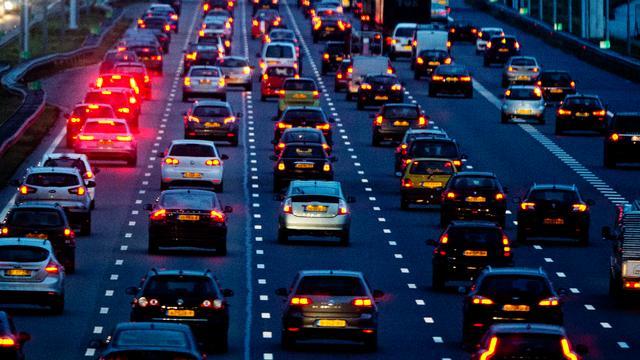 Chaotische ochtendspits door afgesloten snelwegen