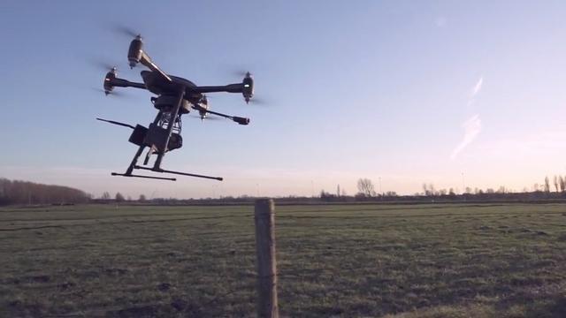 Uniek: drone meet volume paasvuren bij Holten
