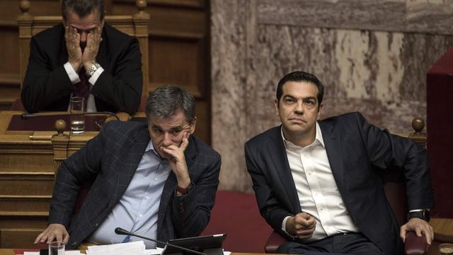 Grieks parlement stemt in met nieuwe bezuinigingen