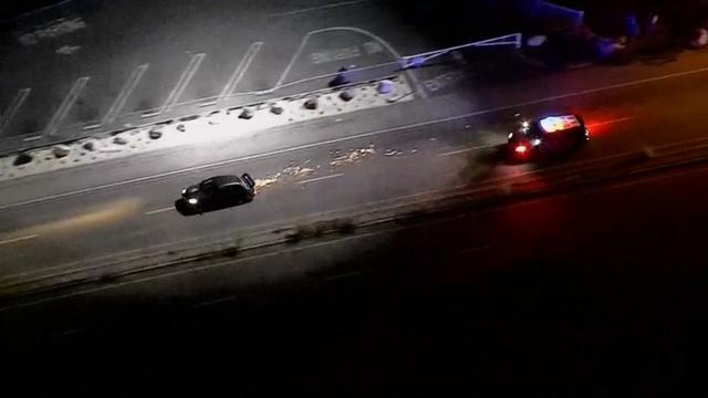 Truck helpt politie bij achtervolging in Los Angeles