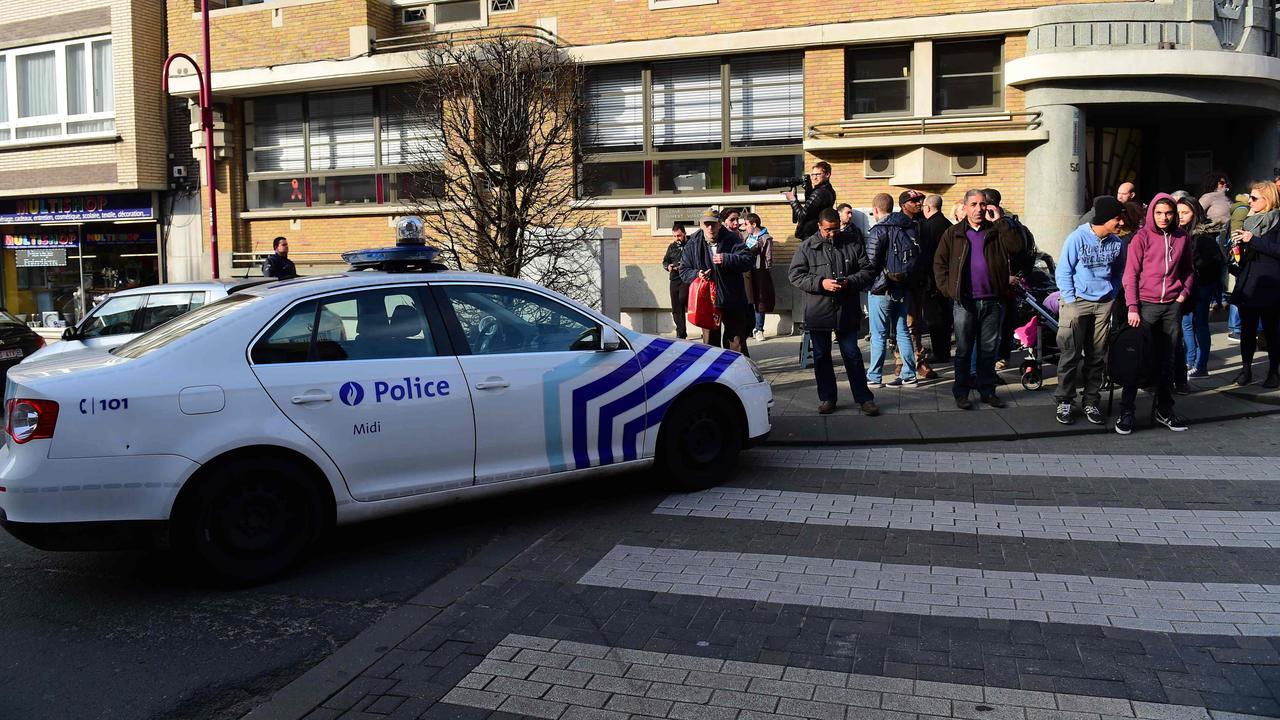 Politie in Brussel beschoten bij huiszoeking