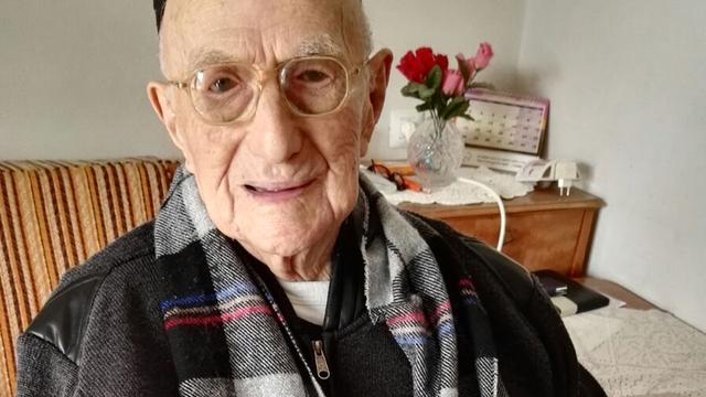 Israëliër die Auschwitz overleefde oudste man van de wereld