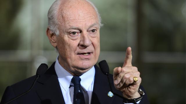 Syrische oppositie stelt vredesoverleg uit