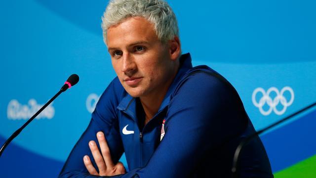 Zwemmer Lochte accepteert schorsing voor incident in Rio