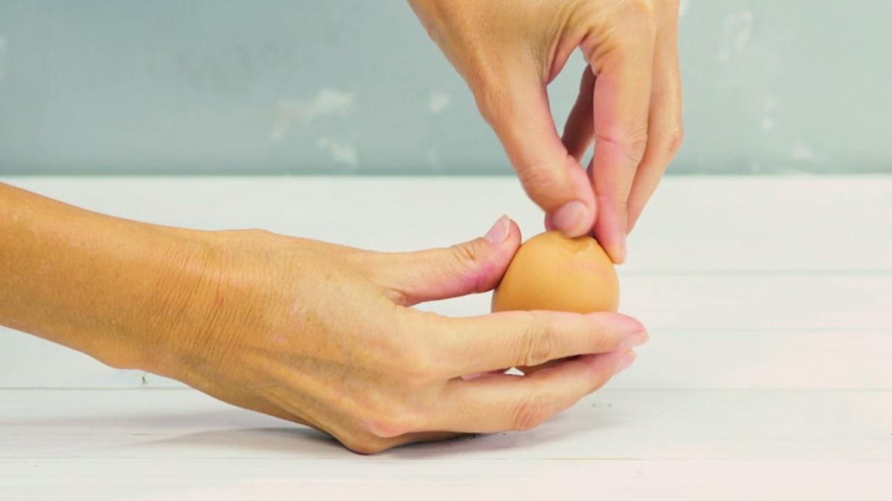 Een ei pellen ging nog nooit zo snel