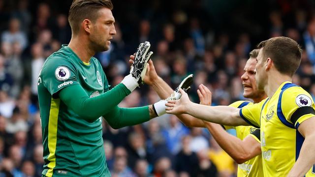 Punt Everton bij City dankzij heldenrol Stekelenburg, remise Janssen met Spurs