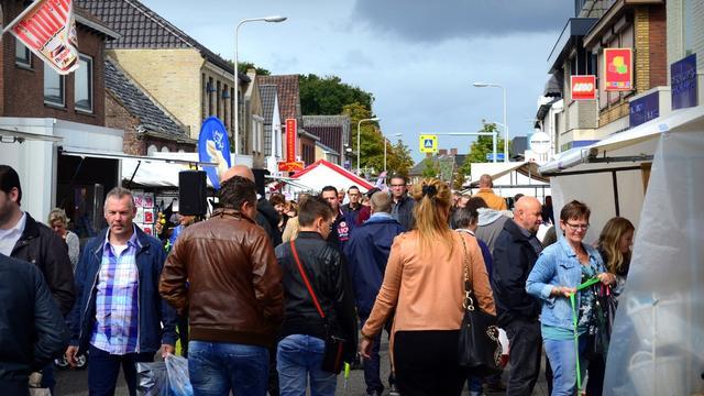 Sint Willebrord heeft langste braderie van Nederland