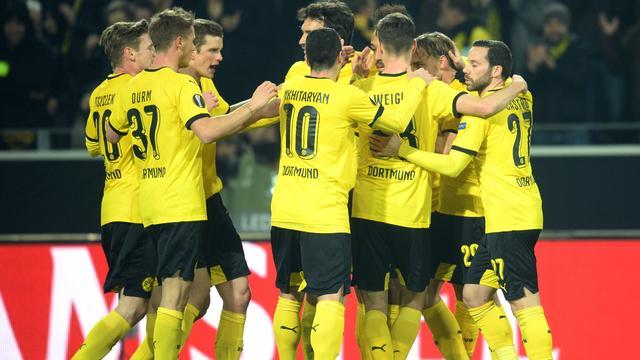 Dortmund dicht bij kwartfinales na simpele zege op Spurs