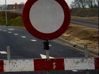 Rijkswaterstaat doet onderzoek naar schade aan brug na aanvaring