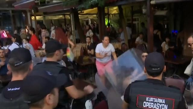 Politie Istanbul arresteert onder meer Nederlandse journalist bij Gay Pride