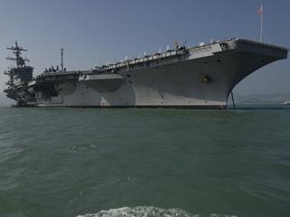 Noord-Koreaanse krant noemt de USS Carl Vinson een ''lomp beest''