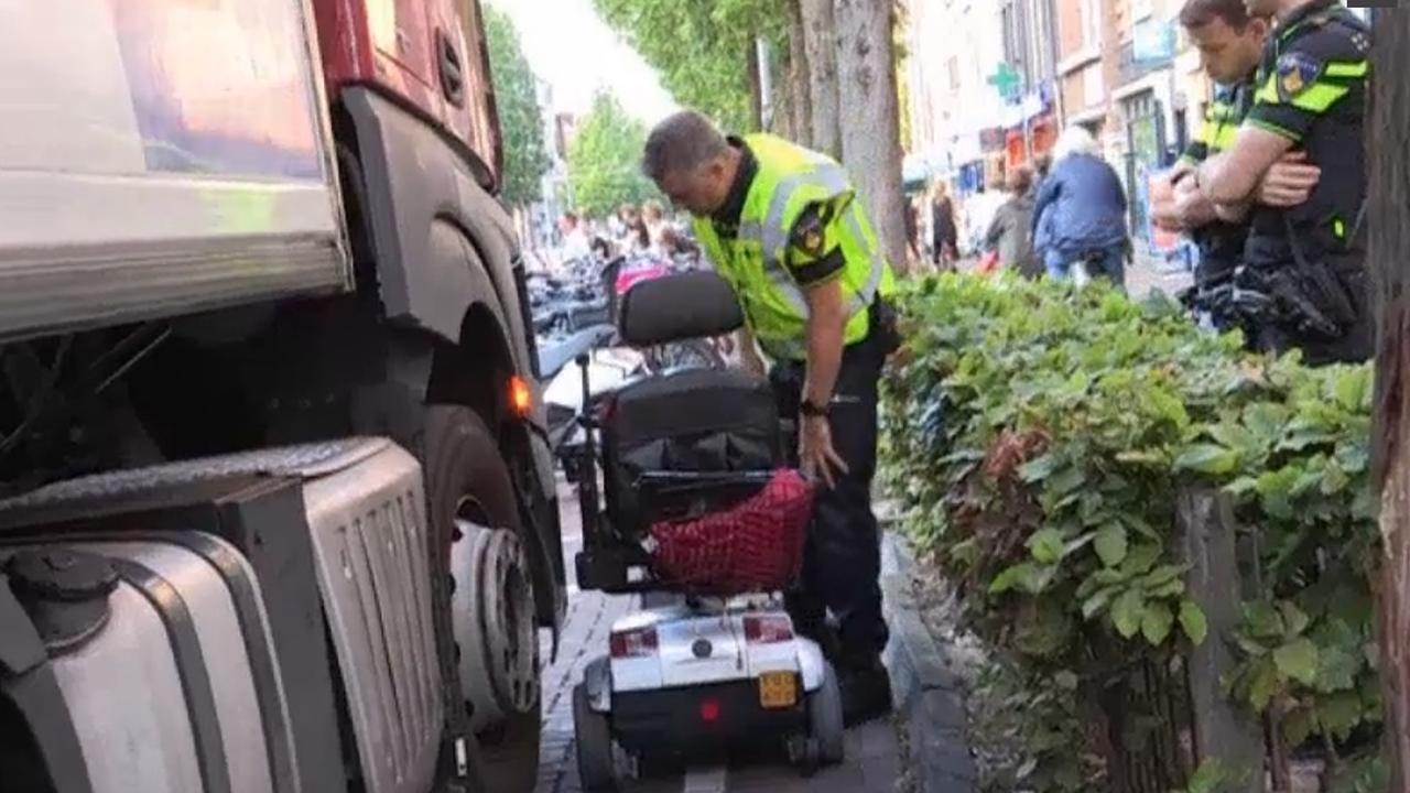Aanrijding scootmobiel en vrachtwagen