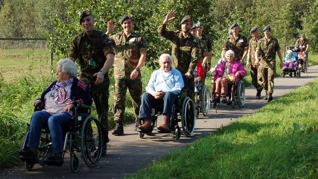 Vierhonderd cadetten trekken vrijdag Bredase wijken in