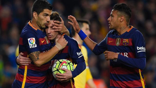 Barcelona blijft koploper na 6-0 zege, Real en Atletico winnen ook