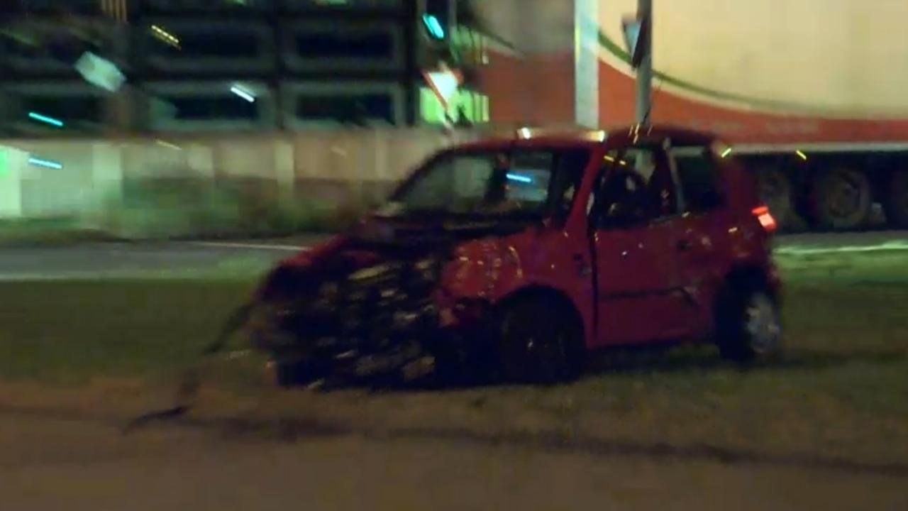 Auto total loss na ongeluk Jan van Galenstraat