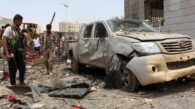 Zeker vierenvijftig doden bij aanslag op basis militie in Jemen