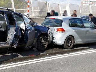 Auto's lopen flinke schade op
