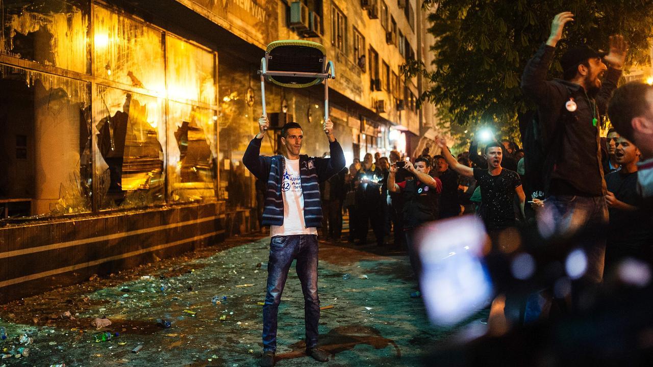 Duizenden Macedoniërs straten op vanwege rel rond telefoontaps
