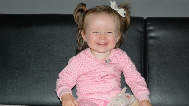 Geld nodig voor rolstoelbus voor tweejarige Romy