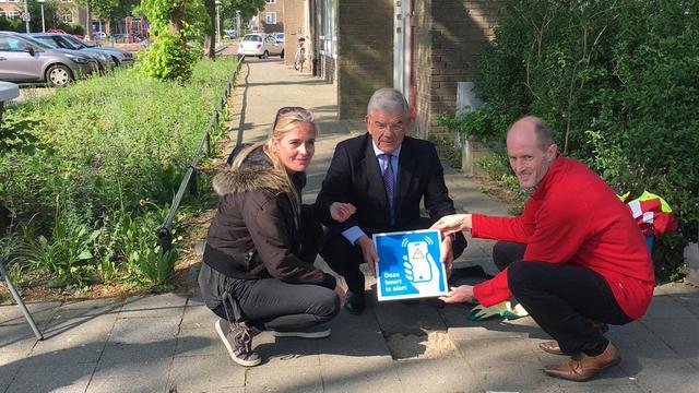 Burgemeester plaatst alert-tegel in Hoograven